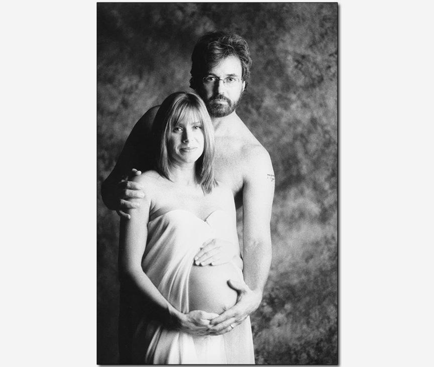 family maternity portrait